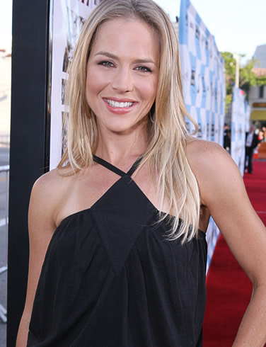 julie-benz-picture-1