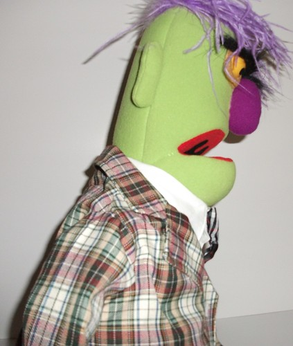 hooked nose muppet Hello instructables readers i'd like you to meet my buddy beaker-bot as you probably already know, beaker is the lab assistant at muppet labs and hapless victim of numerous lab accidents.