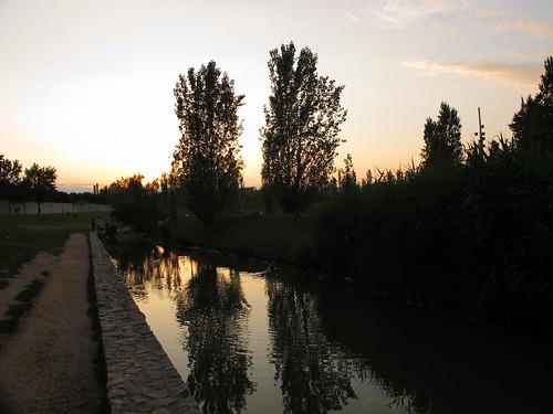 Atardecer en las aguas del rio de Valencia