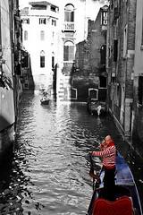Gondoleiro em Veneza (Luiza  Reis !) Tags: venice italy veneza luiza canal reis itlia gondoleiro luizareis