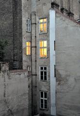 Back alley of Budapest, Hungary, May 28, 2010 (Ivan S. Abrams) Tags: hungary budapest ivansabrams thebestofday gnneniyisi abramsandmcdanielinternationallawandeconomicdiplomacy ivansabramsarizonaattorney ivansabramsbauniversityofpittsburghjduniversityofpittsburghllmuniversityofarizonainternationallawyer