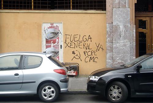 Fotos de la agitación de los CJC/CMC  y el PCPE-Asturies por la huelga general 4660899370_d602db36dd