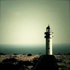( ottoelpiloto ) Tags: lighthouse love faro temperature formentera lottekestner