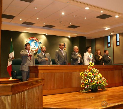 Entrega de Acreditación de Administración de Empresas by Universidad Mariano Gálvez