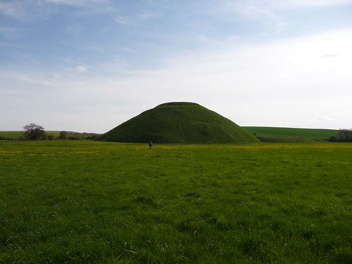 Silbury-hill-with-will