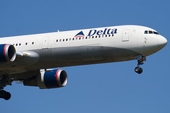 N831MH - 29702 - Delta Air Lines - Boeing 767-432ER - 100617 - Heathrow - Steven Gray - IMG_4278