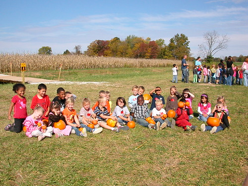 Oct 12 2010 Cal Pumpkin Patch Licking, MO (7), with kindergarten class, Ms. Buettner