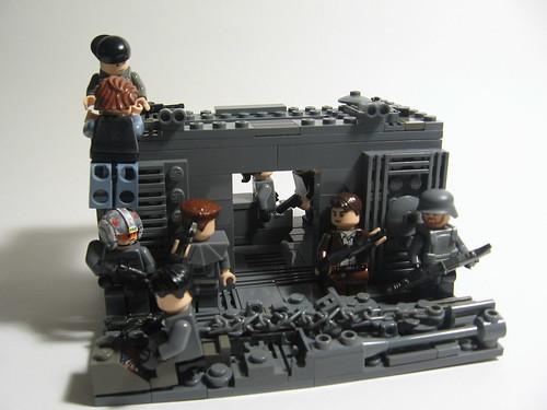 Brickpocaplypse! Break In.... 5167846357_deb51ab462