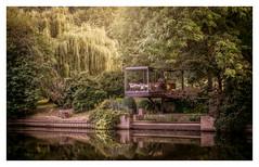 Riverside Dining (David Haughton) Tags: thames river garden trees riverside beautiful fineart landscape davidhaughton