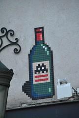 Space Invader (emilyD98) Tags: street art paris insolite rue mosaic mosaique mur wall collage space invader bottle bouteille jeu vidéo game urban exploration city ville installation