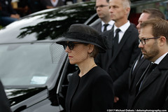 Germany: Coffin of former Chancellor Helmut Kohl arrives in Speyer (mdebets) Tags: europe germany helmutkohl maikekohlrichter rhein rhinelandpalatinate speyer banksoftherhine deathofhelmutkohl formergermanchancellor funeral funeralmass politics recentdeath requiem widow deu