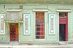 Neftali & Cinthia (emerge13) Tags: centrohabanacuba cuba havana lahavane doors habana portes architecturaldetails architecturalheritage architecture puertas textures facades