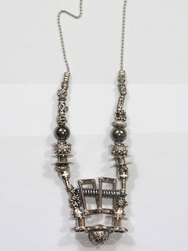 Hardware necklace 09