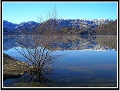 Lago de Sanabria (Rober Martinez Photography) Tags: espaa lake snow nature water rio river lago spain nieve reflexions zamora mywinners