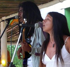 reggae singing (alvez) Tags: reveillon summer brazil sun sol praia beach brasil playa verano brazilian galera garopaba ferrugem brasileiro sul guarda calor guardadoembau verao