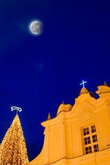 Anacapri at Christmas #4 (Alessandro Scoppa) Tags: christmas decorations sky italy moon church lights capri eclipse italia christmastree luna chiesa cielo luci bluehour 1001nights natale christmastime alberodinatale decorazioni anacapri eclisse blueribbonwinner orablu digitalcameraclub flickrsbest bej fineartphotos anawesomeshot colorphotoaward isawyoufirst diamondclassphotographer flickrdiamond flickrdiamonds concordians goldstaraward alessandroscoppa fineartprintscapri fineartprintsitaly