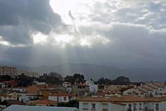 del cielo (Juan Ramón Jiménez) Tags: light sun luz sol canon eos juan cielo ramon 450 rayos nuves jimenez juanramon 450d juanramonjimenez juanram0n