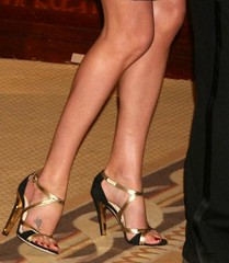 Charlize Theron feet (26) (I Love Feet & Shoes) Tags: sexy celebrity feet stockings pie shoes ps huf hoof bas pieds mules schuhe casco theron sandal piedi meias medias scarpe sandalias chaussures charlizetheron sapatos sandlias zapatillas sandalen  charlize   sandales  sandali   strmpfe    calcanhares  sse