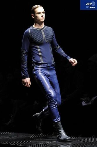 Lucas Mascarini3182_FW10_Milan_Versace(AFP BB News)