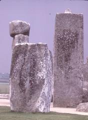 Note peg on top of Sarsen Stone