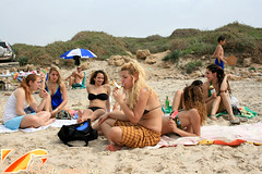 IMG_7860 (Streamer -  ) Tags: girls people hot beach water landscape sand suit teen babes bathing streamer          plamahim