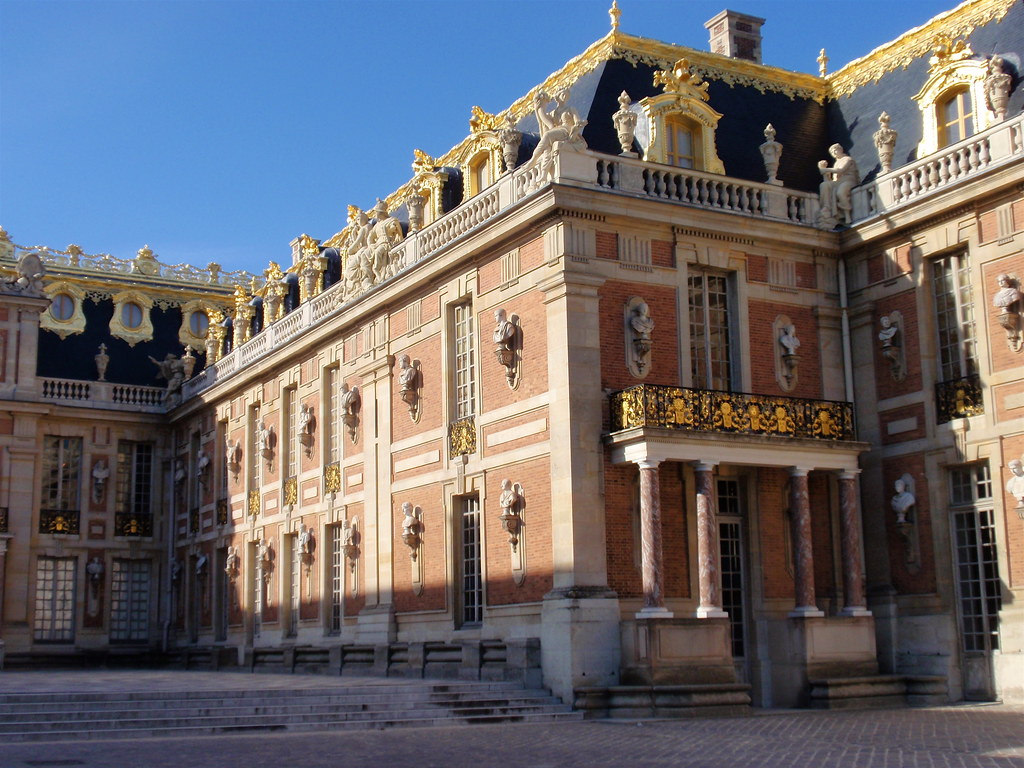 Versailles exterior 1
