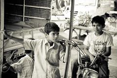 Tactics (daewoo_4) Tags: india kids fun shoot market candid bangalore portfolio
