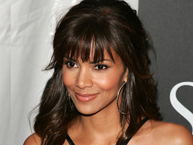 halle barry 42 anos