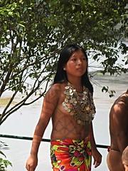 Young Embera Indian lady, Panama (ali eminov) Tags: tribalpeople indigenouspeople embera emberaofpanama bodypainting katuma panama women