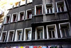 Ouz Atay (nilgun erzik) Tags: istanbul taksim galatasaray apartman tutunamayanlar ouzatay fotografkraathanesi fotografa biyerlerde mart2010 taksimlibirgn