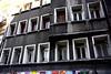 Oğuz Atay (nilgun erzik) Tags: istanbul taksim galatasaray apartman tutunamayanlar oğuzatay fotografkıraathanesi fotografça biyerlerde mart2010 taksimlibirgün
