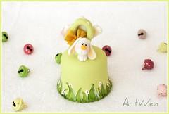 Campanita de Pascua / Campanella di Pasqua (ArtWen) Tags: easter handmade conejo souvenir polymerclay clay picnik bomboniera porcelanafria coldporcelain pastasintetica pastadimais artwen