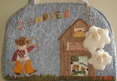 Cowboy, ovelhinhas, porquinhos e... (Zicraft) Tags: gabriel cowboy farm bebe patchwork porquinhos galinhas celeiro sacola vaquinhas ovelhinhas cowboyzinho
