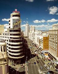 Schweppes (Kris *) Tags: madrid city blue sky espaa cars azul canon 350d calle spain ciudad cielo gran coches va schweppes callao