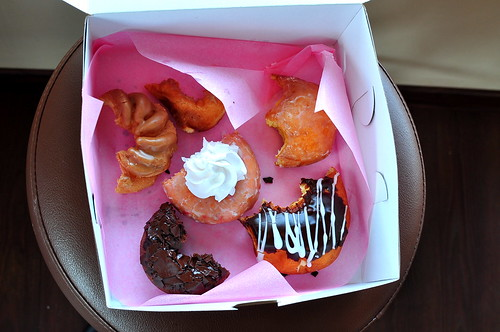 FROST DOUGHNUTS