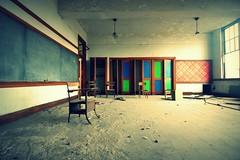 42 (artsy_T) Tags: blue school green abandoned empty chalkboard cuzihaveafeelingitsgoingtobeanotherawesomesummer yesanothershotthateverybodyhas andnowihaveittoo andirarelycountdownthedaysleftinaschoolyear butfelttheneedtodoitjustnow