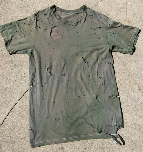 DIY destroyed Balmain army t-shirt 2