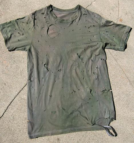 DIY destroyed Balmain army t-shirt 2