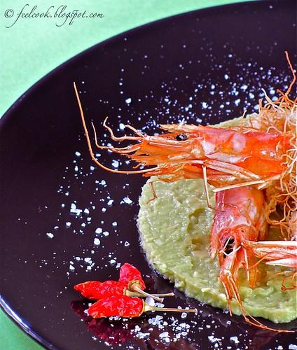 Gamberi in pasta kataifi e guacamole di avocado