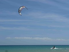IMG_2890 (miss_verstaendnis) Tags: ocean sea sun kite beach water strand meer wasser sommer fuerteventura kitesurfing atlantic canaries sonne atlanticocean canaryisland fuerte kitesurfen sotavento wassersport sotaventobeach