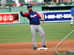 the throw from blanco (Boston Wolverine) Tags: boston baseball fenway bp rangers throw mlb 70300mmf456 andresblanco