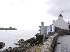 Dalkey, Co. Dublin - Ireland (Mic V.) Tags: county ireland dublin house building home modern island fisherman republic traditional eire co baile dalkey irlande dun ath laoghaire atha bhaile leinster contae cliath átha áth
