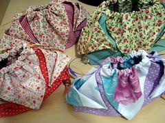 Bolsinha (Flor do Céu) Tags: pap tecido bpm bolsinha necessaire bolsadetecido flordocéu