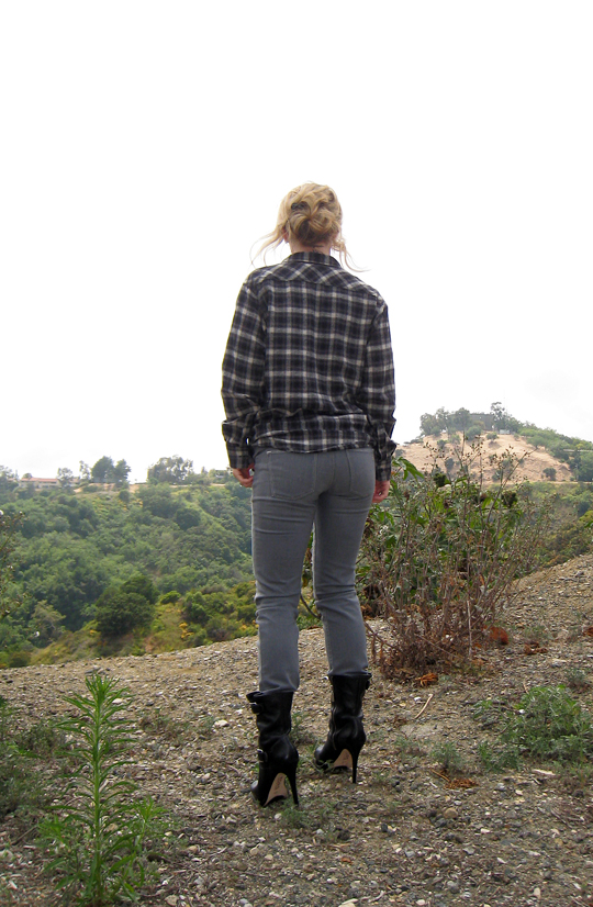 plaid+flannel+gray jeans+michael kors boots-4