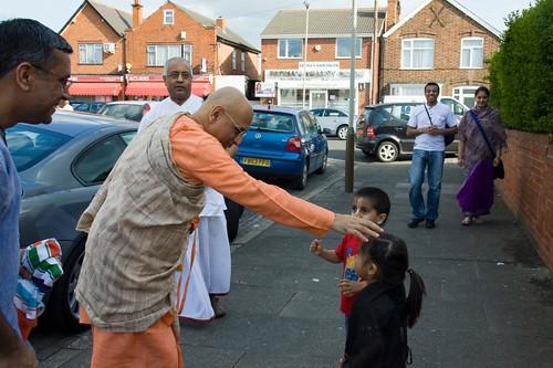 H H Bhakti Caru Swami 2010 - 0003 por ISKCON desire tree.