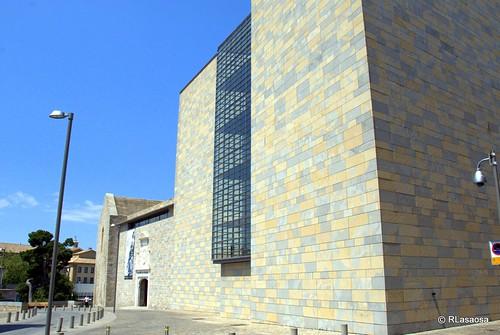 Archivo General de Navarra: antiguo Palacio Real, es uno de los edificios históricamente más importantes de Pamplona.