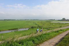 bikers in landscape (Matthieu Verhoeven - Photographer -) Tags: blue green landscape nikon groen blauw matthieu d3 landschap verhoeven wwwmatthieuverhoevennl