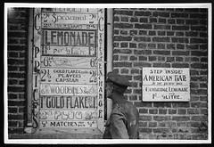Anglų lietuvių žodynas. Žodis advertise reiškia v skelbti lietuviškai.