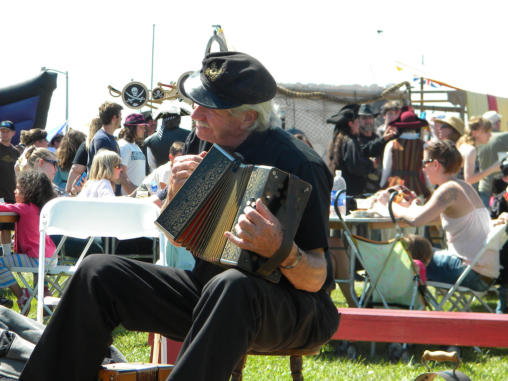 The World's Best Photos of accordian and hohner - Flickr