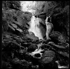 Burn O'Vat Waterfall (oceanheadted) Tags: t waterfall 150 hasselblad epson rodinal 20c planar 80mm v500 burnovat ro9